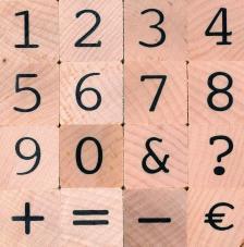 16 sellos madera números. 2x2 cm