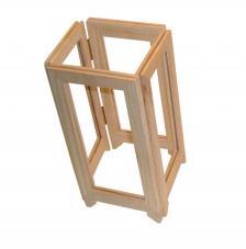 Biombo de fusta foradat. Format tancat