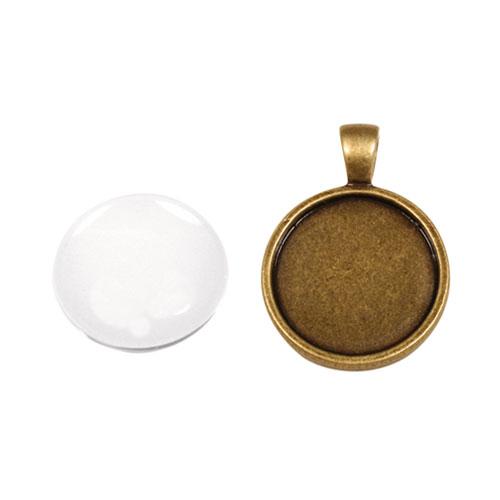 Colgante camafeo metálico con cabuchón vidrio. ∅ 2,2 cm. Oro y plata